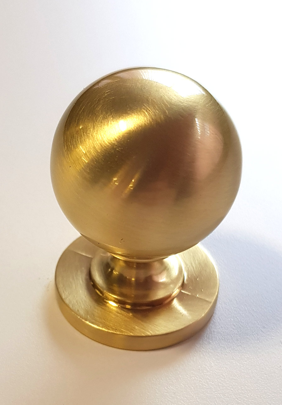 REFLECTIONS BRUSHED BRASS KNOB 32MM